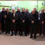 Visitan el Melga un grupo de sacerdotes de la Costa de la Muerte