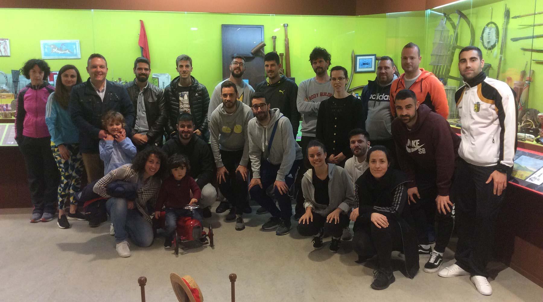 Mozos docentes da ciudade de Lugo chegan ao Melga para coñecelo a través dunha visita guiada