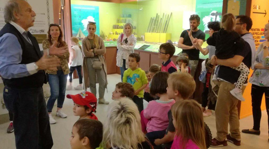 Familias polacas en Galicia coñecen o Melga de Ponteceso