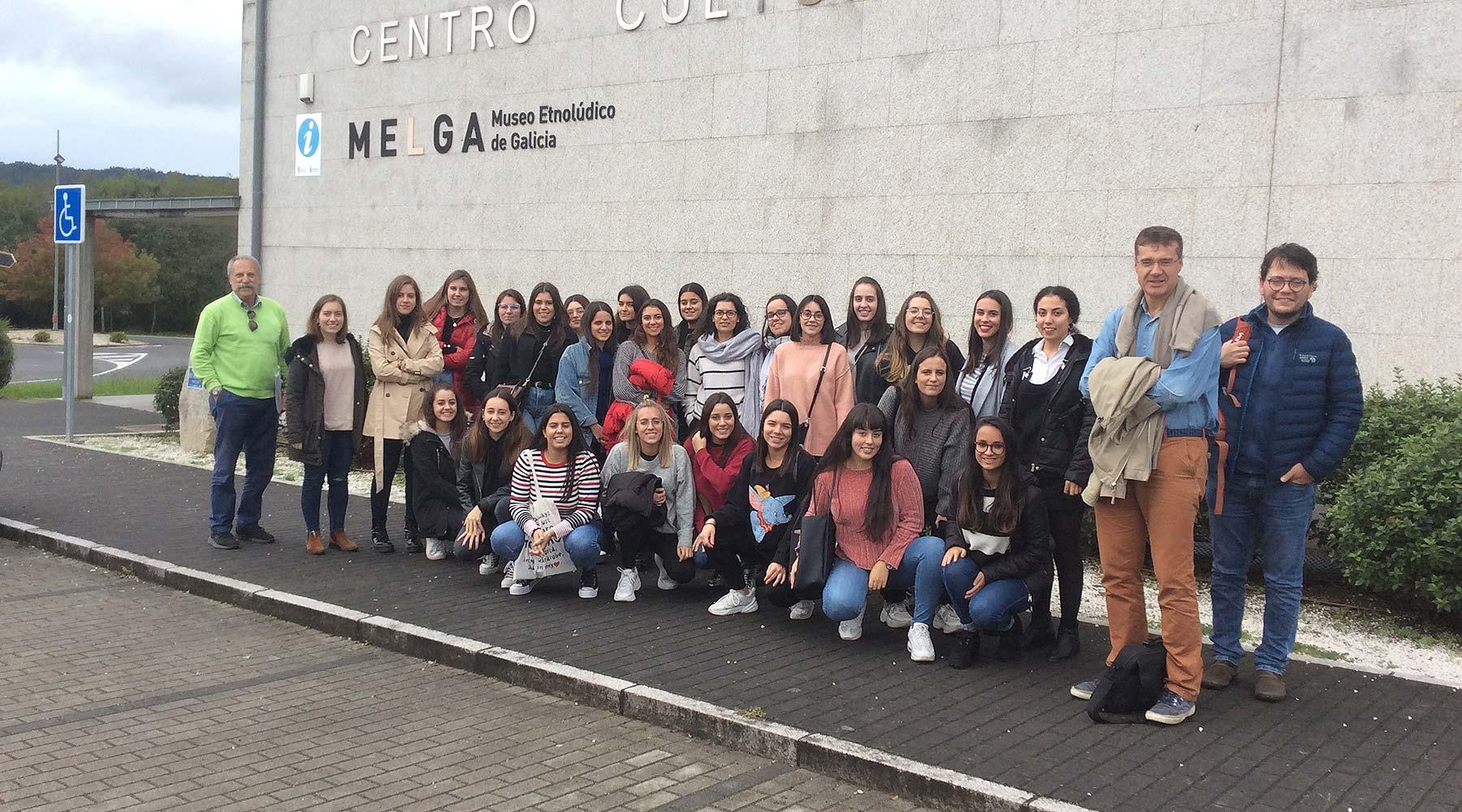 As futuras pedagogas e mestras da Facultade de Ciencias da Educación da Universidad de Santiago de Compostela regresan ao Melga na súa cita anual