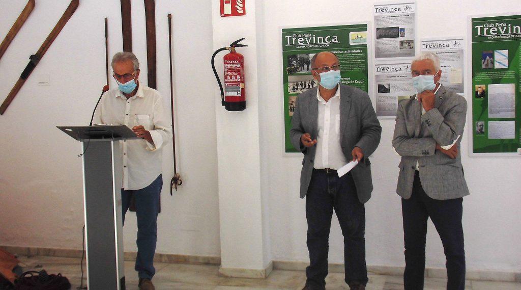 """Clausurase a exposición """"Memoria 75 años da Peña Trevinca Montañeiros de Galicia"""", onde o Melga de Ponteceso estivo presente"""