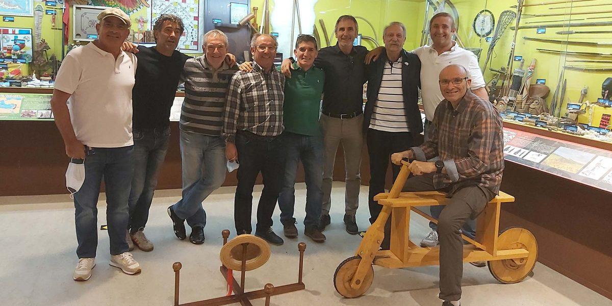 Unha primeira tanda de profesores da Facultade de Ciencias do Deporte e a Educación Física de A Coruña aproximanse ó noso Museo
