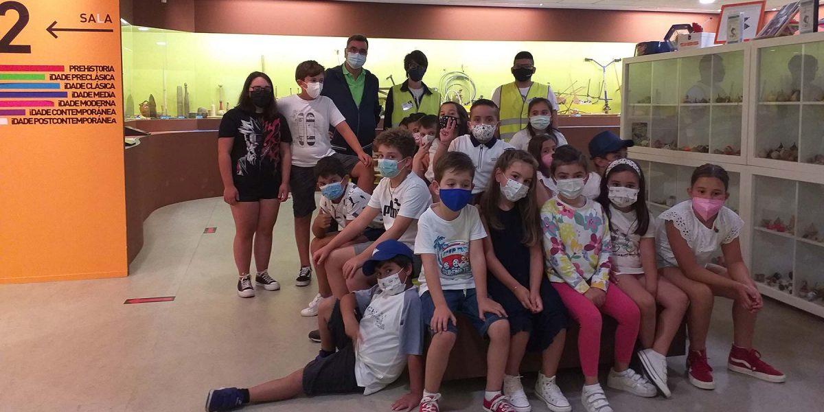 Un grupo do Concello de Laracha visita o Melga este ano por primeira vez